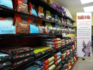 Nourriture sèche pour chiens à St-Léonard